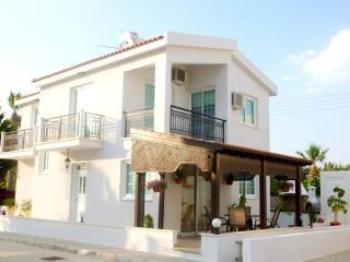 3 Bdrm Beach Villa Side Sea View Oroklini Larnaca