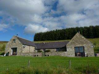 Bluefolds Steading building with Aberlour in the centre
