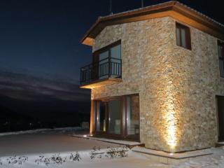 Casa Rural de 150 m2 de 4 habitaciones en Pradolue, Pradoluengo