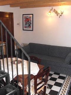 angolo soggiornocon divano letto