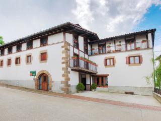 apartamentos etxeberria 1,2 y3, Iraizotz