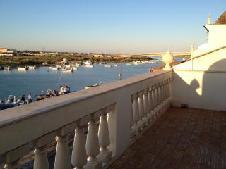 House on the Riverfront, Tavira