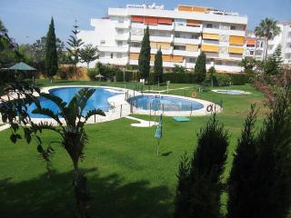 Apartamento de 81 m2 de 2 dormitorios en Benalmáde, Benalmadena