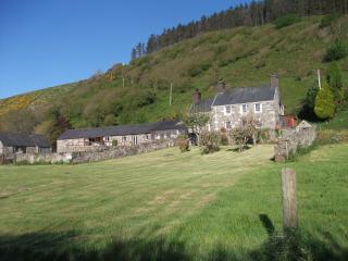 Tyn Y Parc - House and Barn sleeps 20