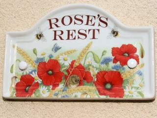 Cottage sign for Rose's Rest
