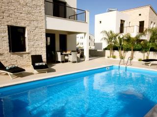 Luxury 2 bedroom villa near Zygi with private pool, Kalavasos