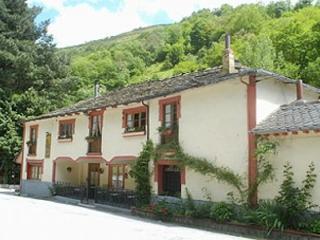 Casa de Aldea La Pescal. Casa de alquiler por habitaciones.