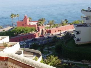 REFORMADO 100% Benal Beach, 1 dormitorio Benalmadena 1ª lin playa