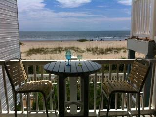 Oceanfront condo sleeps 6, Ocean Cove, Ocean Isle Beach