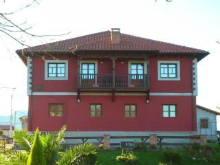 Apartamento de 80 m2 de 2 dormitorios en Llanes