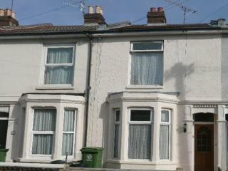 Northcote villas - 4 bed house with patio garden, Portsmouth