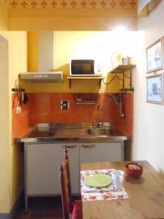Kitchenette and breakfast nook