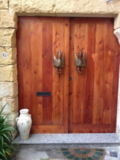 The front door entrance of Casa Sonette