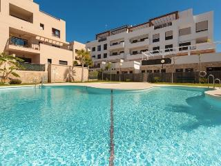 Penthouse with great sea views. Large 140 m2 terrace. 8 min walk to the beach., La Cala de Mijas