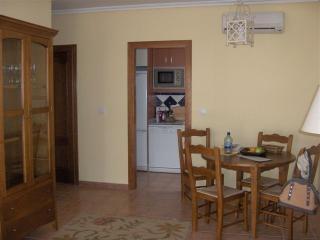 Apartamento con zona infantil y aire acondicionado