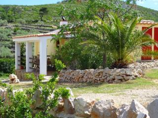El Dragonet; stunning views on a valley, restored traditional Spanish casita