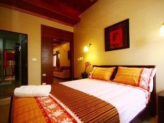 2 Bedrms pratamnak  Villa  near walking street, Pattaya
