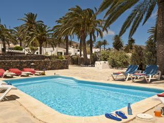 Villas Finca la Crucita Free wifi and share pool, Haría