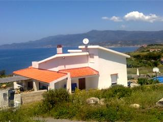 Villa Mannu.   5 bedroom villa  in a tranquil sea setting