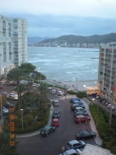 Vista al exterior plaza donde se encuentra el apartamento