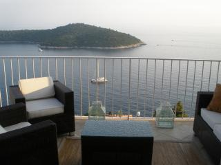 Duplex Holiday Apartment with spectacular views, Ploce