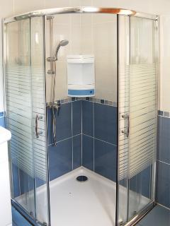 Accessible Shower, en-suite to Bedroom 2