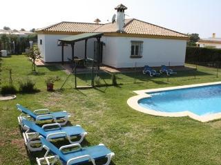 Chalet unifamiliar con piscina privada en Conil