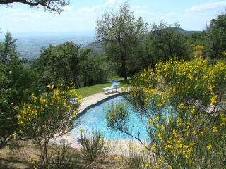 Family Tuscan Villa Private Pool, Lovely Views, Cortona