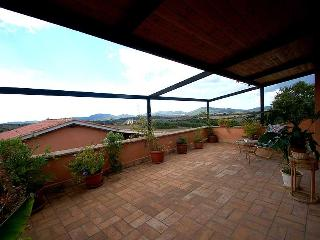 Villa with private pool near lake Bracciano and Rome.