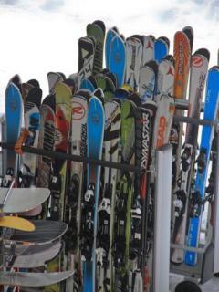 Skis.....