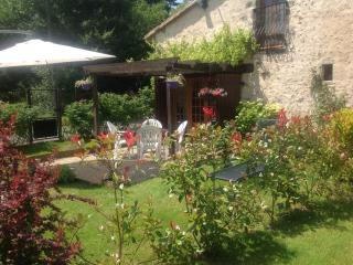 Bijou Gite. The Perfect Escape Holiday. Le Lys., Couhe