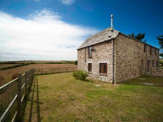 Middle Lanherne Barn, St Eval