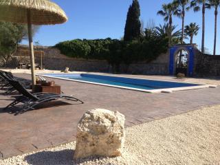 Gran solarium con piscina de 12x5