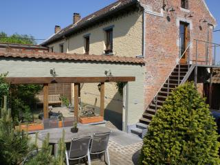 Enter in L'Ermitage, particularly well suited for big families : 7 to 9 persons. You 're w