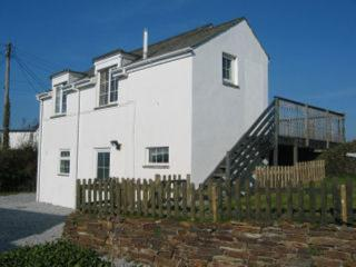 Within walking distance to beautiful sandy beach, St Merryn