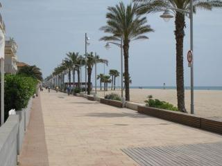 Apartamento en coma-ruga a 30 mts de la playa, Coma Ruga