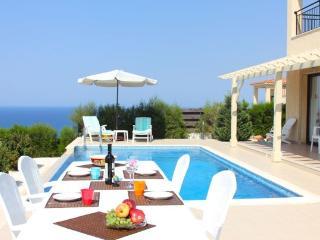 Villa Zefyros, Neo corion