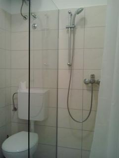 bathroom no.2