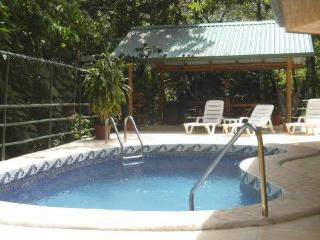 Jungle Creek,Gated,A/C, 5 Bathrooms,4 kitchens, Parque Nacional Manuel Antonio