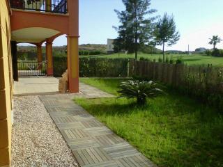 Precioso apartamento bajo con jardín privado