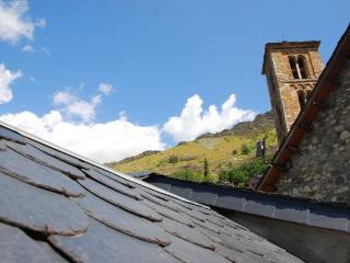 Junto a La Iglesia Romanica..., Taull