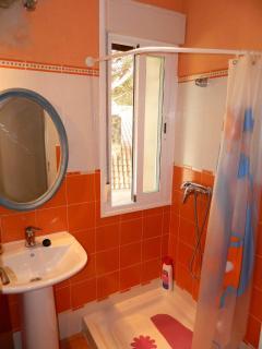 Bathroom, 1st floor