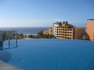 CABO LUXURY 1 BR 2BA SUITE OVERLOOKING MARINA, Cabo San Lucas