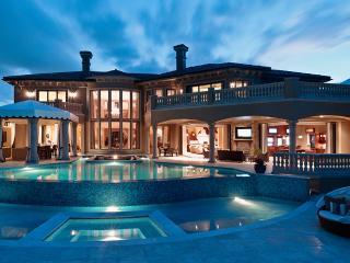 Casa Bahama, Paradise Island