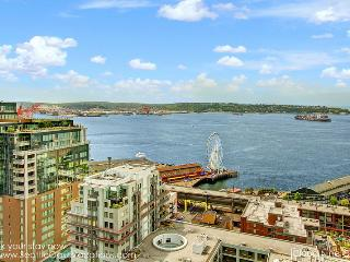 2 Bedroom 2 Bathroom Cloud Nine Oasis Overlook Pike Place Market!, Seattle