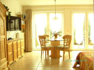 Vacation Apartment in Schwerin - 377 sqft, a perfect base to discover the northern part of Germany (#…, Langen Brutz