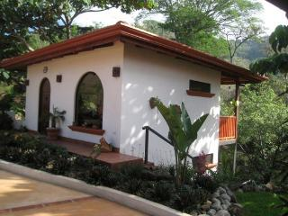Tranquil Casita  with jungle views, Atenas