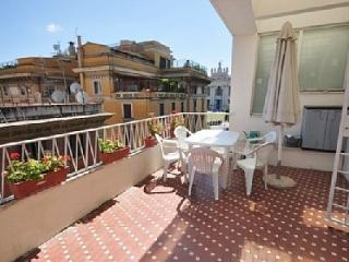 New year in Rome with your family in this comfortable and central apartment