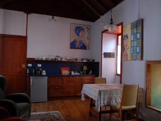 AMPARO. Confortable espacio de