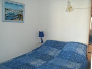 chambre lit de 2 personnes